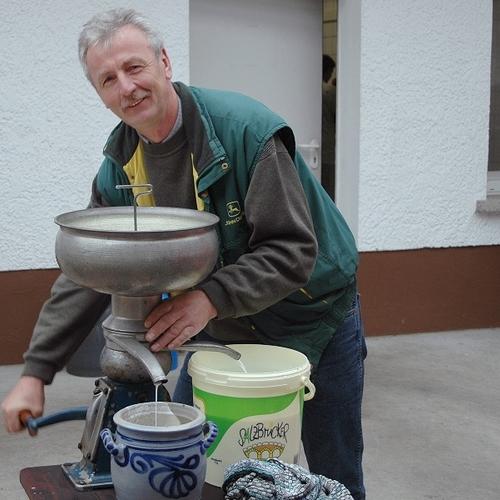 Milch- und Käsemarkt April 2009